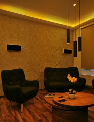 Lounge Area in einem Loxone Smart Home von Logic Home
